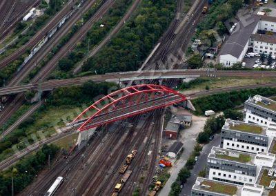Eisenbahnbrücke am Hauptbahnhof